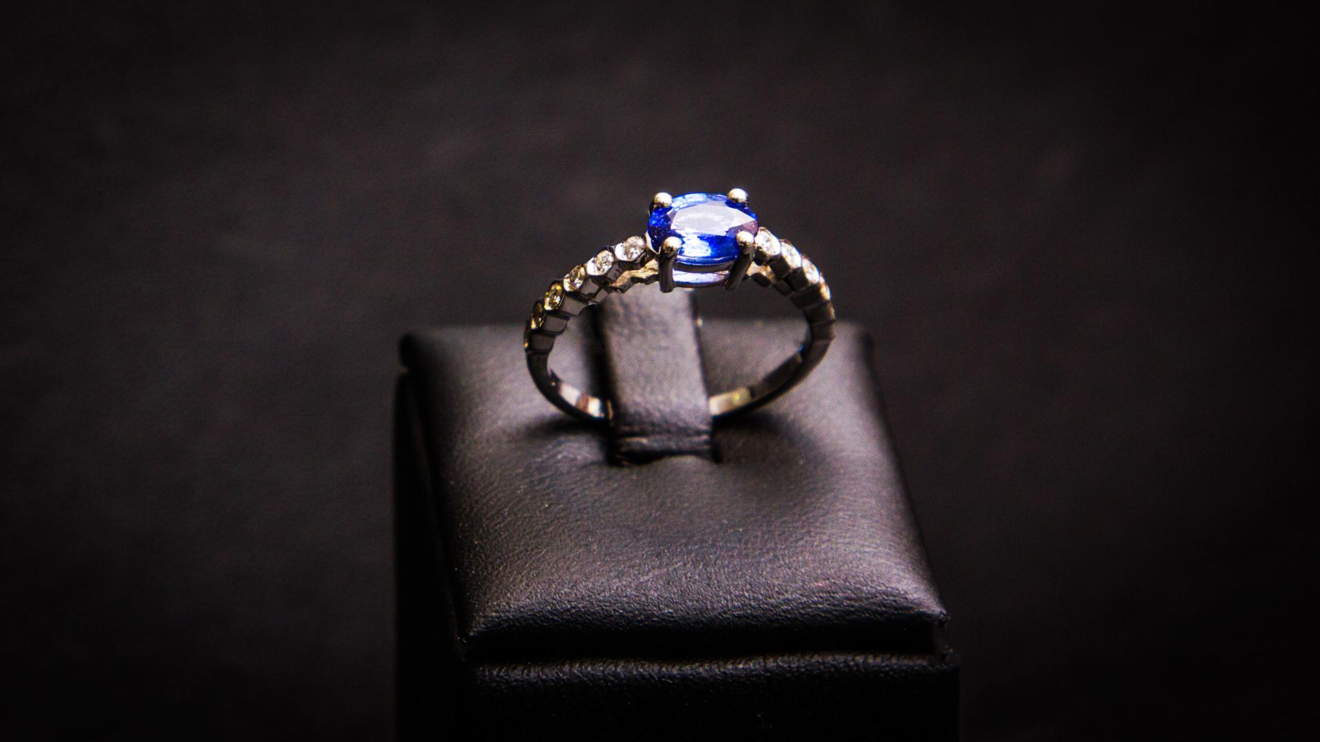 bijouterie-verneau-bague-or-diamand-bijoux-saphir-bijoutier-artisan-var-la-garde