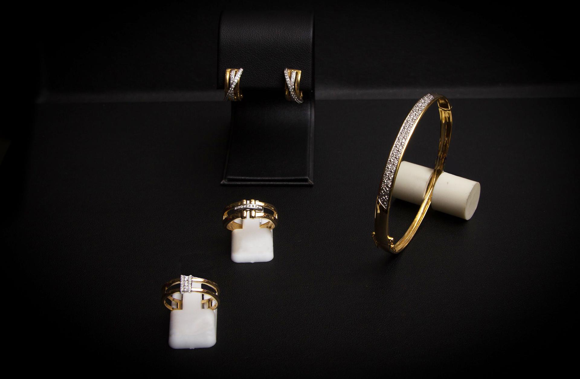 bijouterie-verneau-bracelet-jonc-bague-or-diamand-pierre-precieuse-joaillier-bijoutier-createur-toulon-la-garde-var