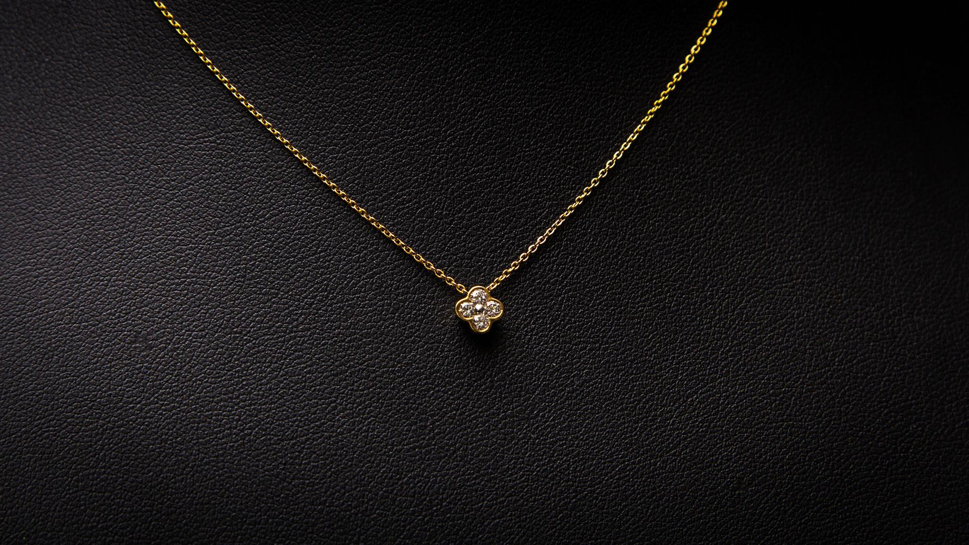 bijouterie-verneau-collier-or-design-fantaisie-diamands-bijoux-bijoutier-toulon-la-garde-var